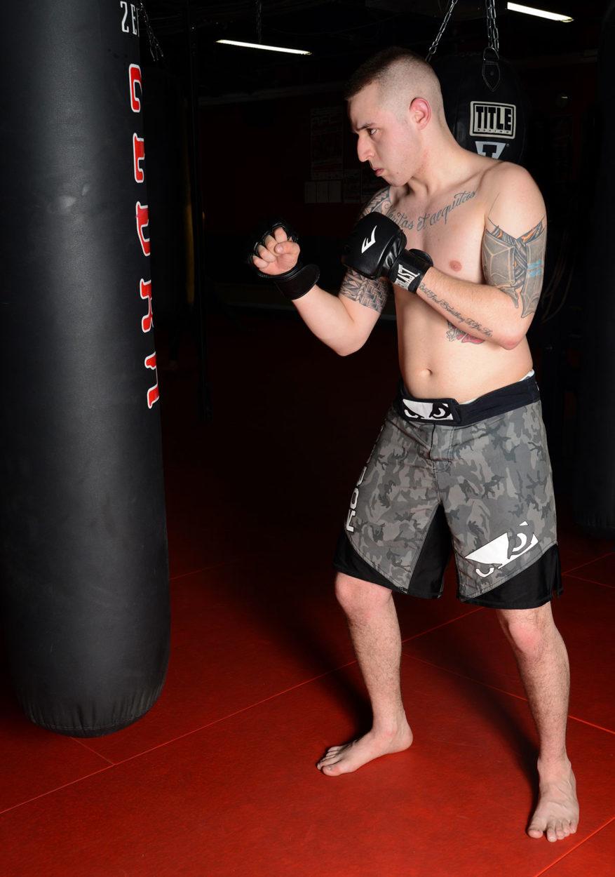 MMA-fighter-training